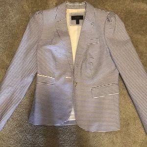 J Crew seersucker blazer. Navy & white stripped